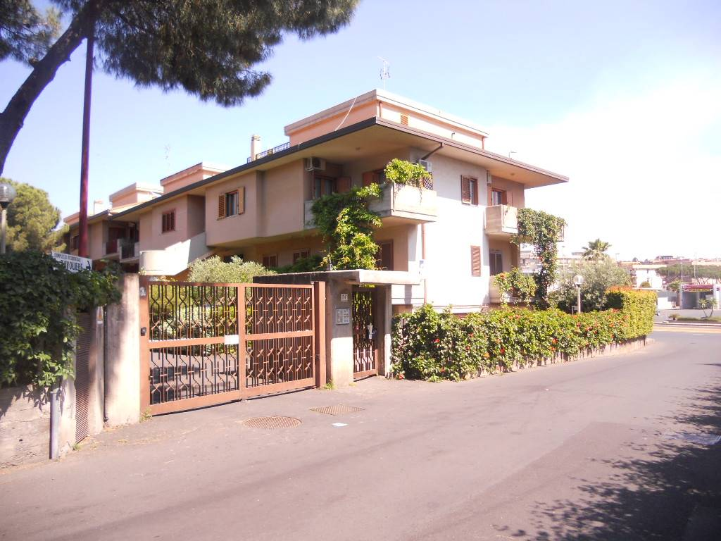Casa semi indipendente, Catania, in ottime condizioni