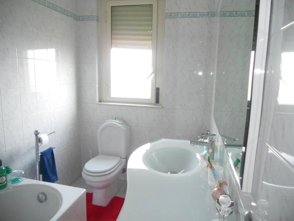 bagno con vasca di 4.5 mq