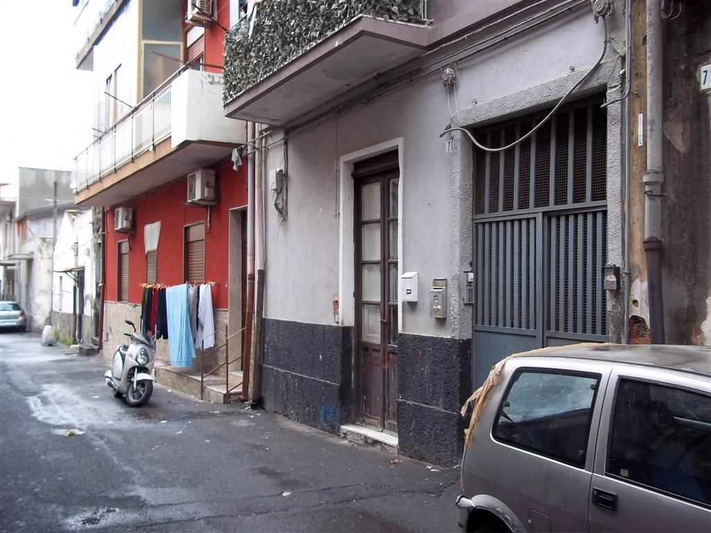 Monolocale, Catania, da ristrutturare