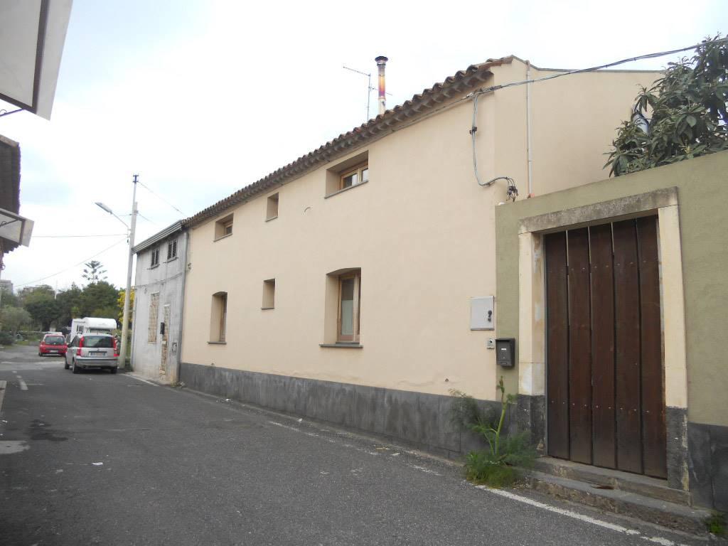 Monolocale, Viale M. Rapisardi - Lavaggi, Catania, abitabile
