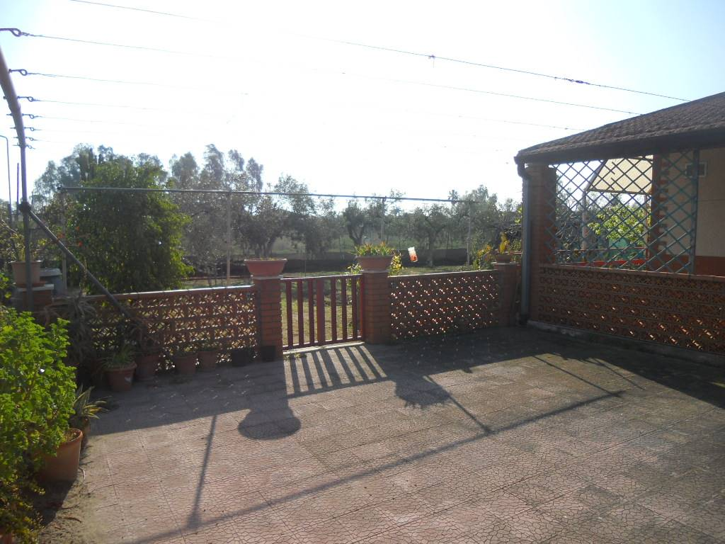 giardino lato sinistro