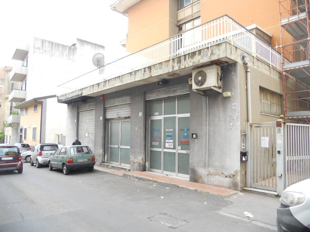 Magazzino, Viale M. Rapisardi - Lavaggi, Catania, da ristrutturare