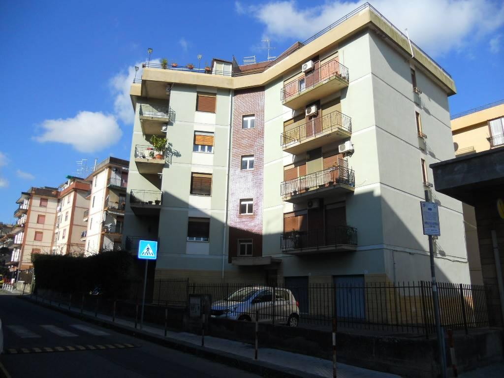 Trilocale, Gravina Di Catania, da ristrutturare