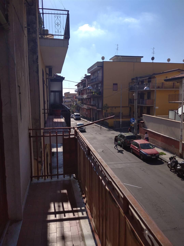 Balcone su via Turi Scordo