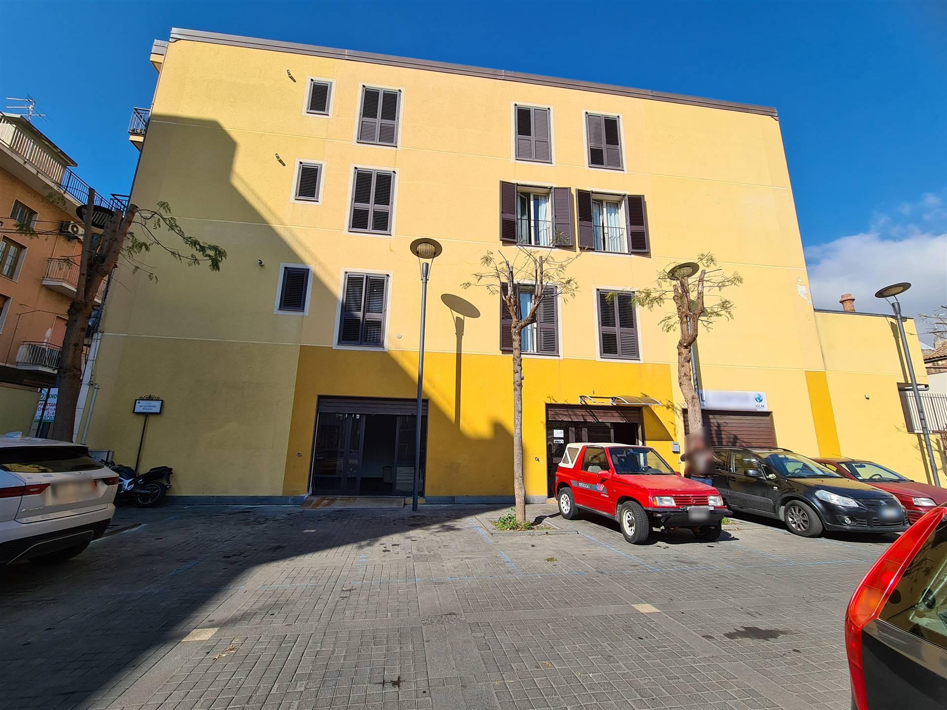 Negozio / Locale in affitto a Misterbianco, 9999 locali, prezzo € 1.000 | CambioCasa.it