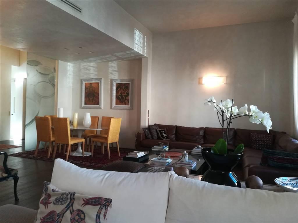 Appartamento a FIRENZE 175 Mq | 7 Vani | Giardino 25 Mq