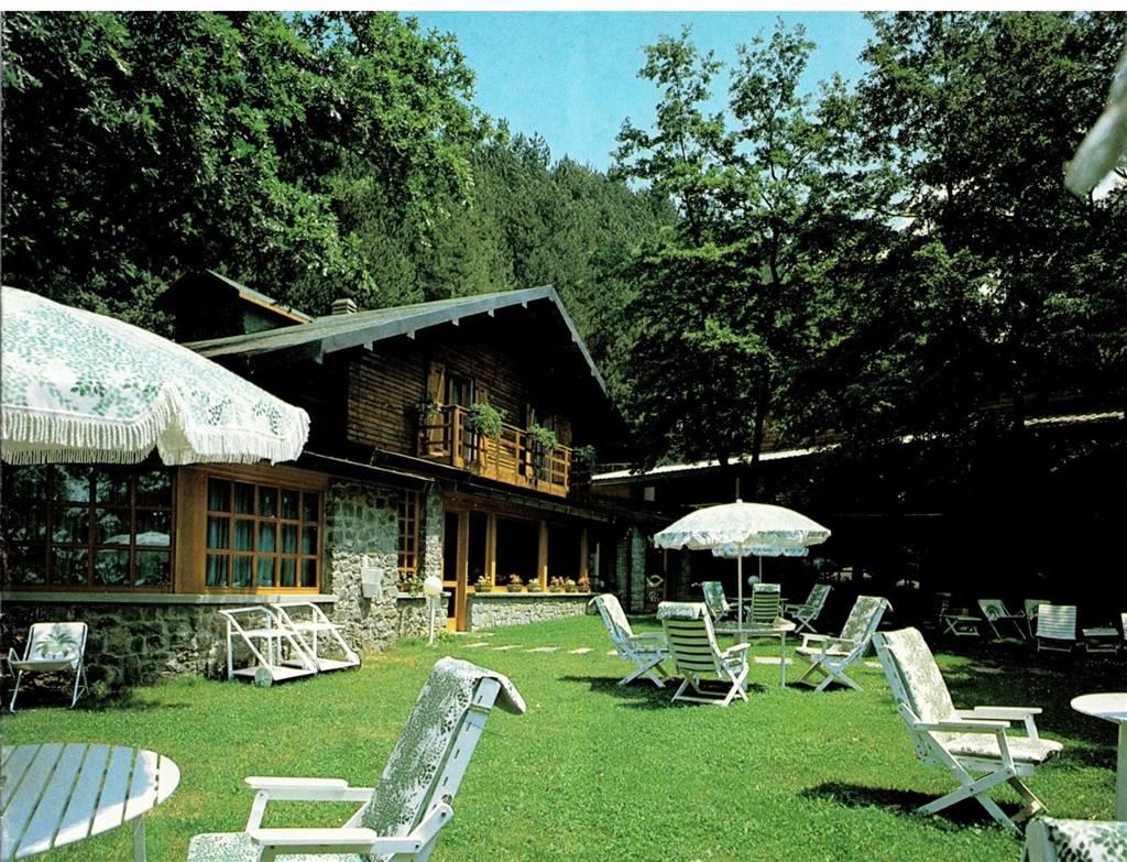 Albergo in vendita a Minucciano, 28 locali, prezzo € 1.500.000 | CambioCasa.it