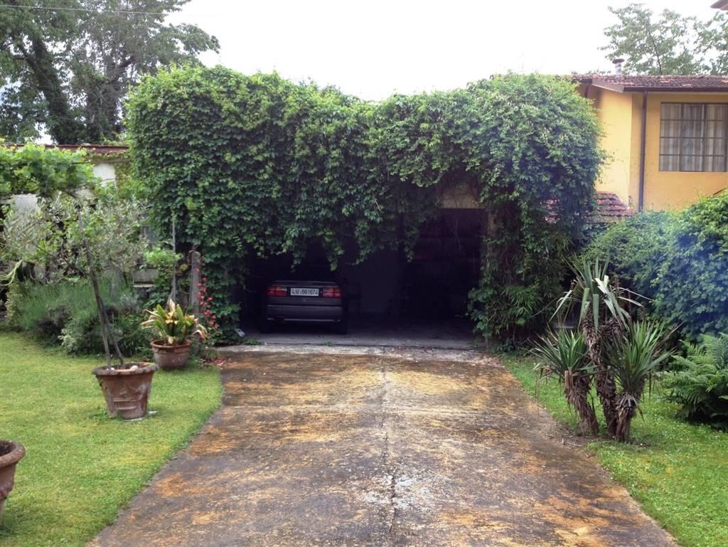Vista garage