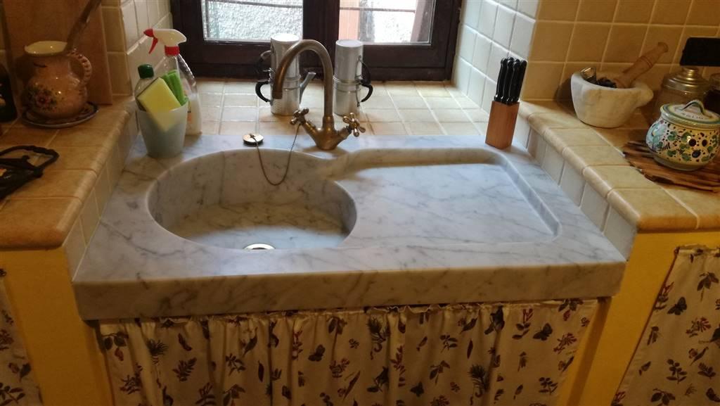 Particolare lavello marmo