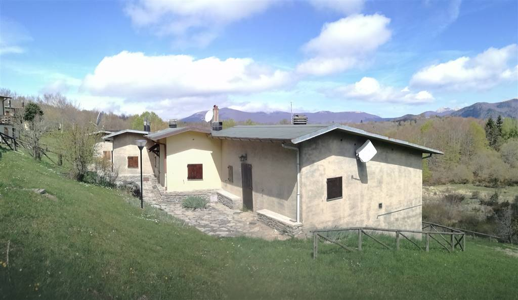 Soluzione Indipendente in vendita a San Romano in Garfagnana, 4 locali, prezzo € 40.000 | CambioCasa.it