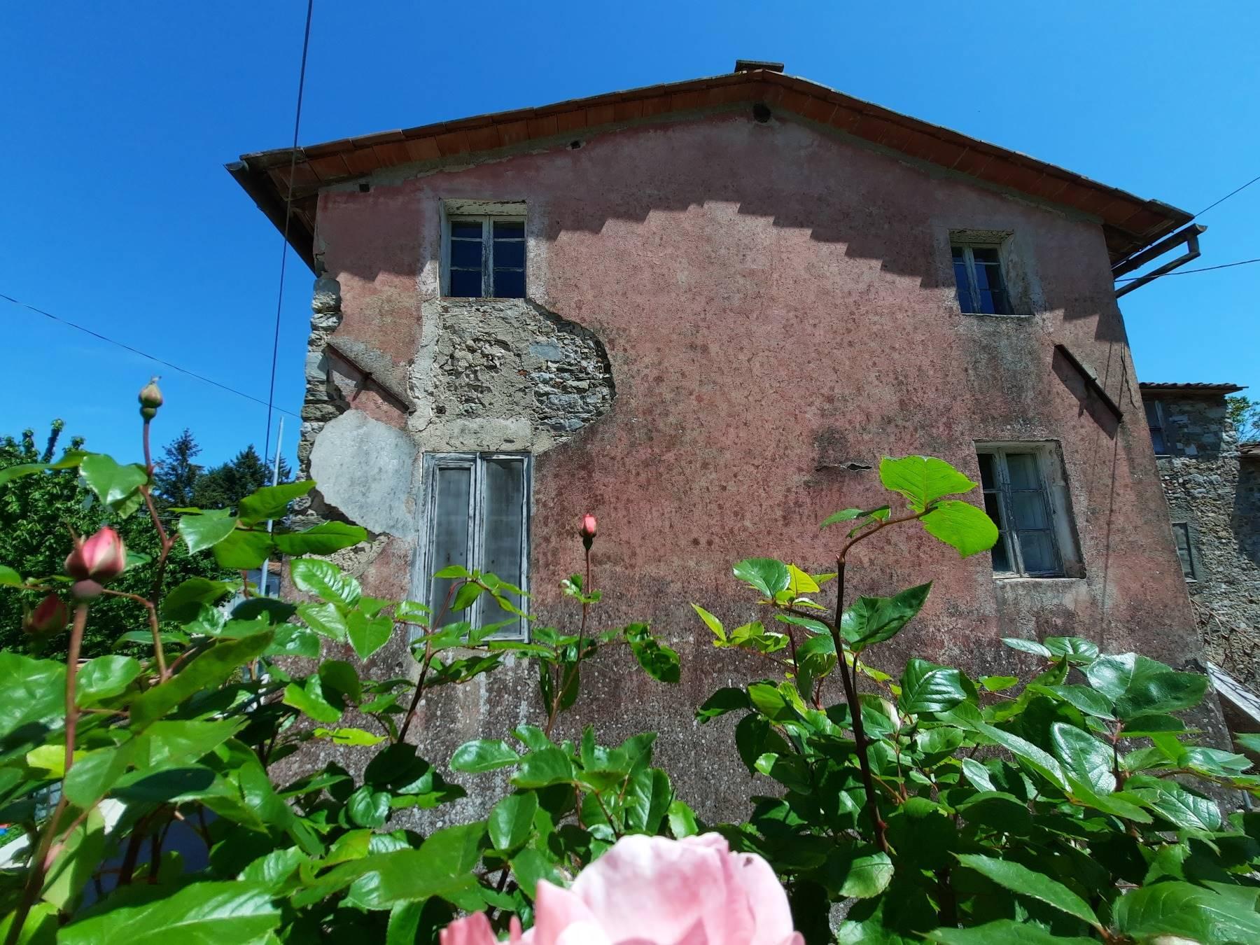 La facciata esterna - The external facade