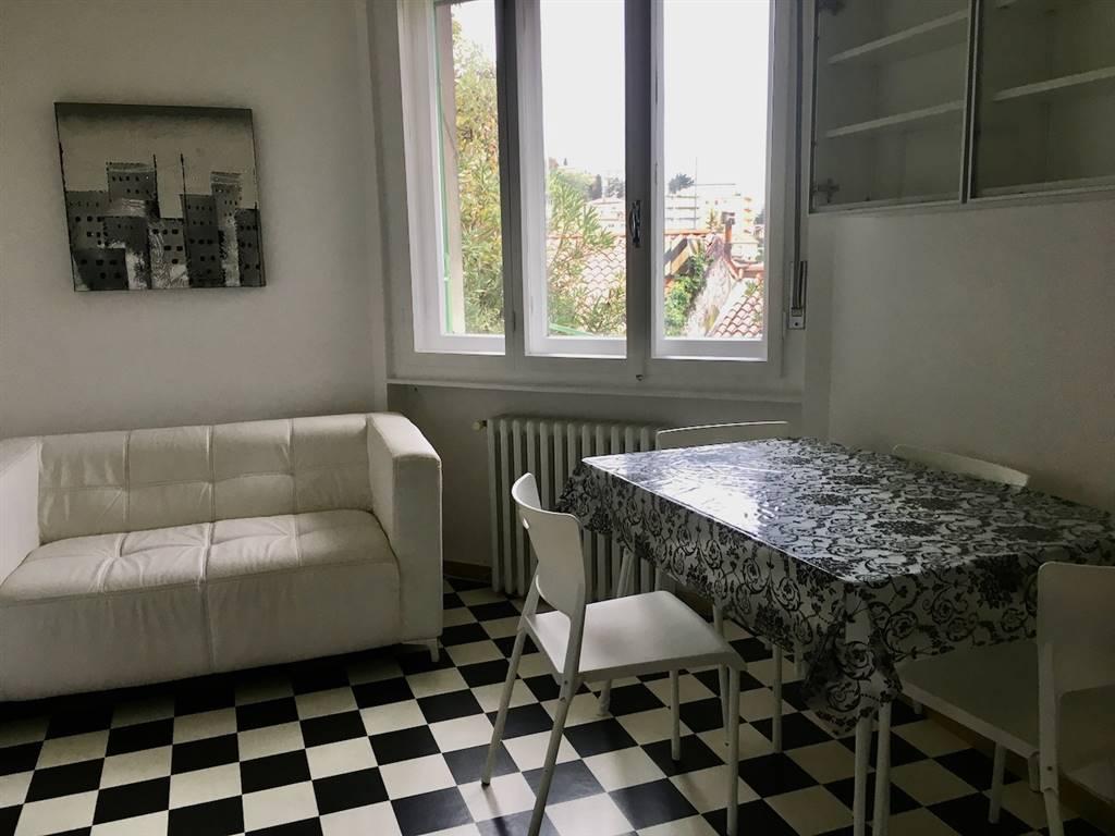 Trilocale in Vicolo Delle Rose 27/1, Trieste