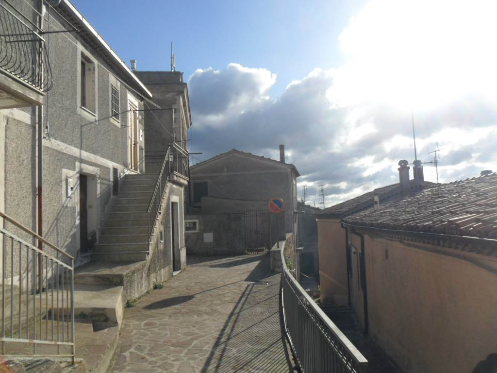 Casa singola in Via Raia  14/16, Muro Lucano