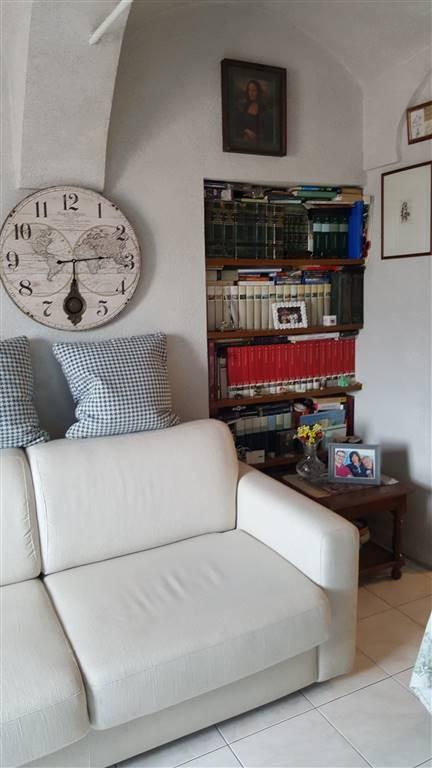 Appartamento in vendita a Camporosso, 5 locali, prezzo € 240.000   CambioCasa.it