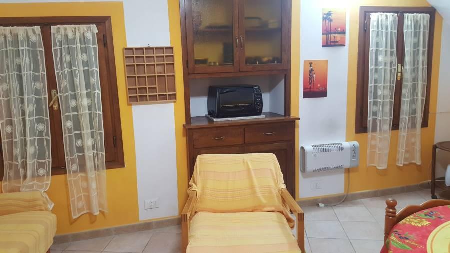 Appartamento in vendita a Airole, 2 locali, prezzo € 60.000 | CambioCasa.it