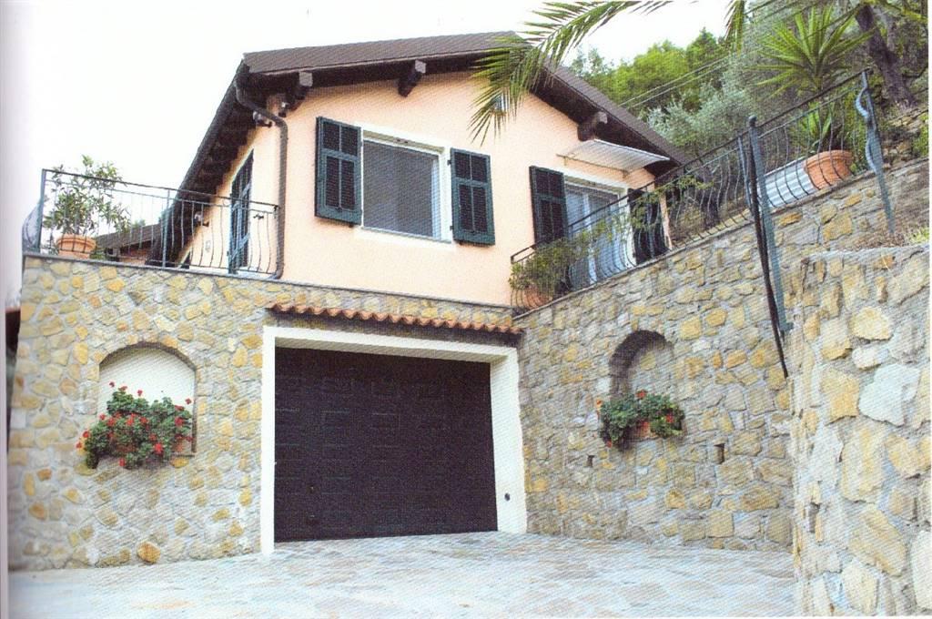 Villa in vendita a Dolceacqua, 6 locali, prezzo € 590.000 | CambioCasa.it