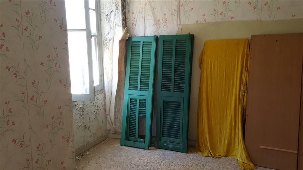 Appartamento in vendita a Pigna, 4 locali, prezzo € 60.000   CambioCasa.it