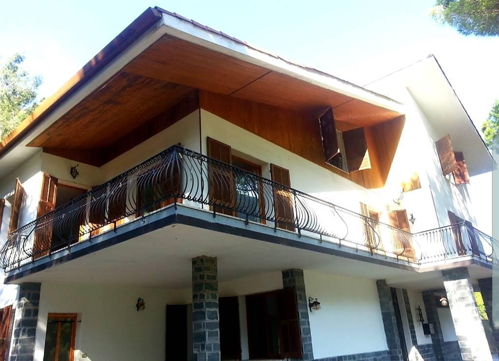 Villa in vendita a Isolabona, 20 locali, prezzo € 500.000 | PortaleAgenzieImmobiliari.it
