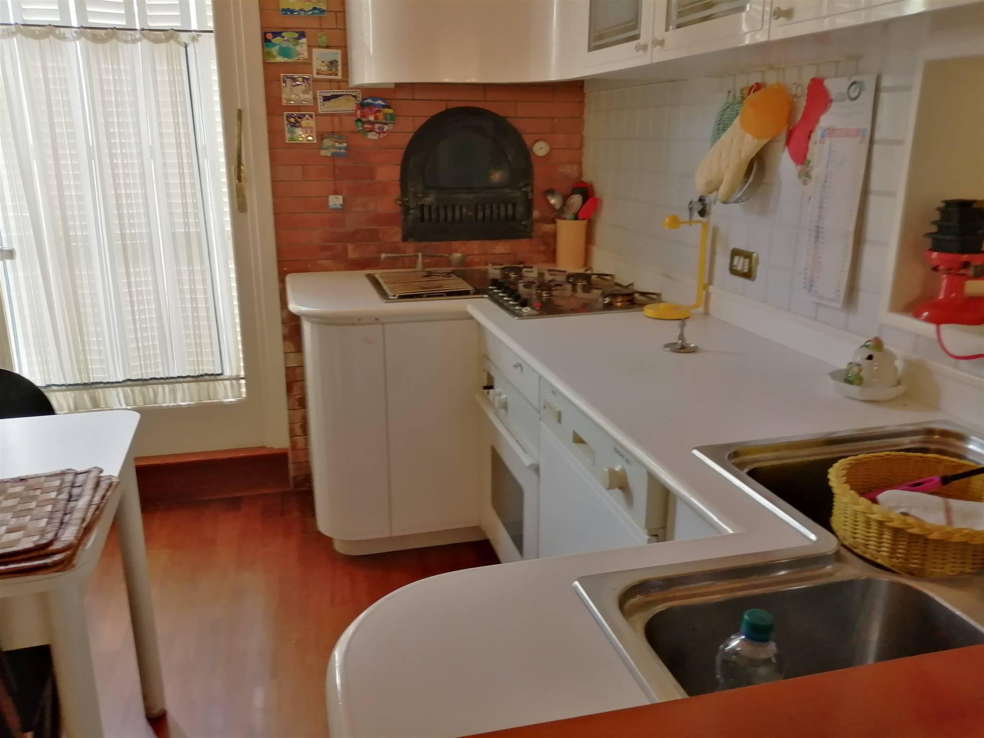 Appartamento in vendita a Ospedaletti, 3 locali, prezzo € 950.000 | CambioCasa.it