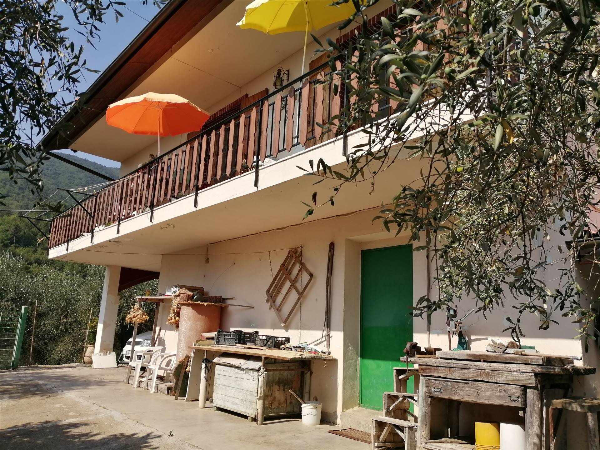 Appartamento in vendita a Ceriana, 3 locali, prezzo € 140.000 | CambioCasa.it