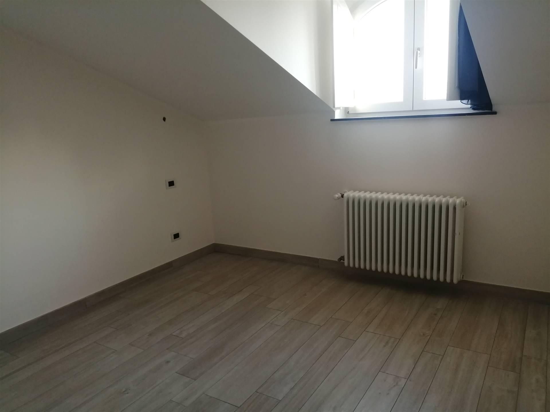 Appartamento in affitto a Bordighera, 3 locali, zona Località: CENTRO, prezzo € 1.050 | PortaleAgenzieImmobiliari.it
