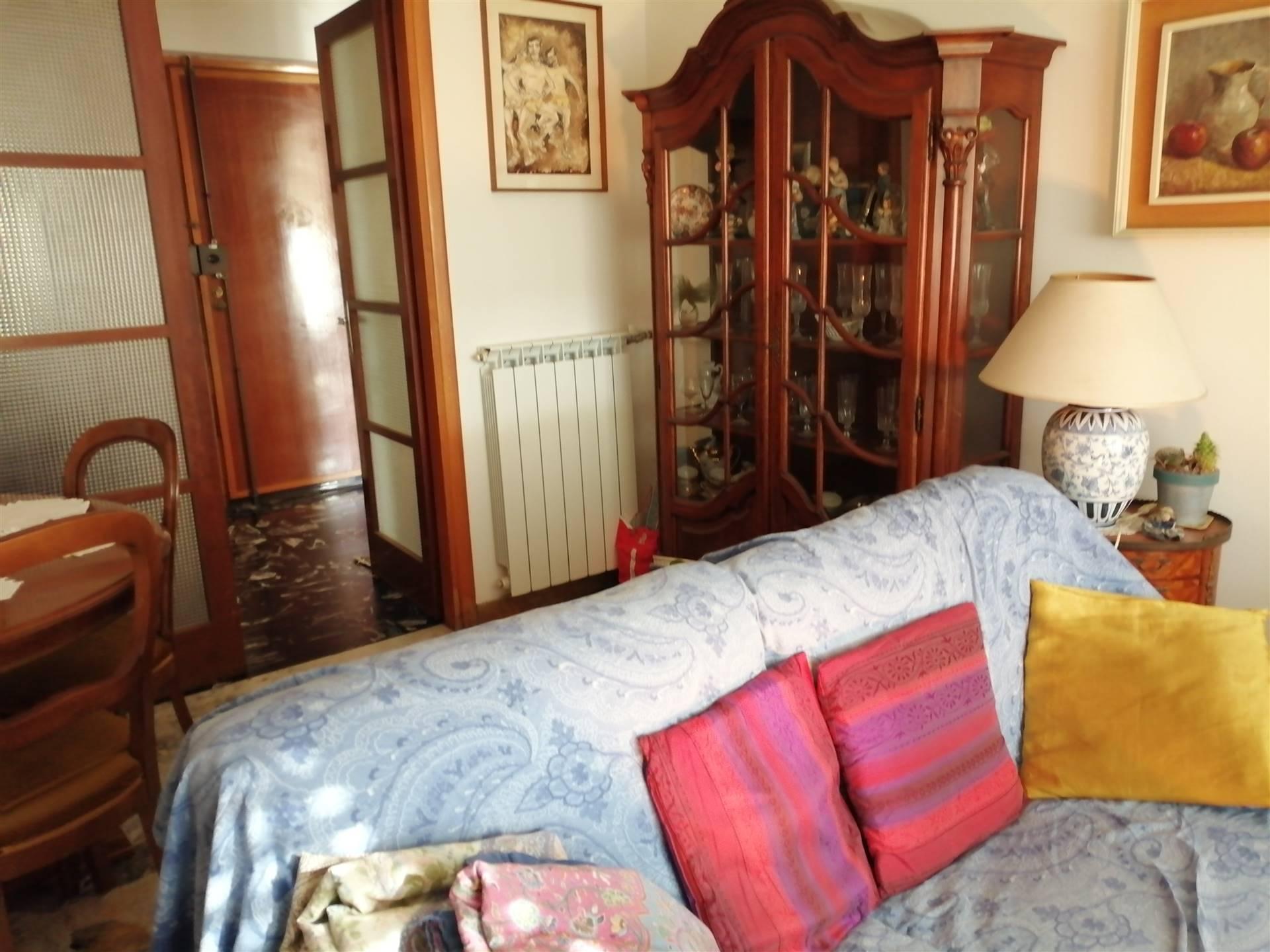 Appartamento in vendita a Bordighera, 3 locali, prezzo € 200.000   CambioCasa.it