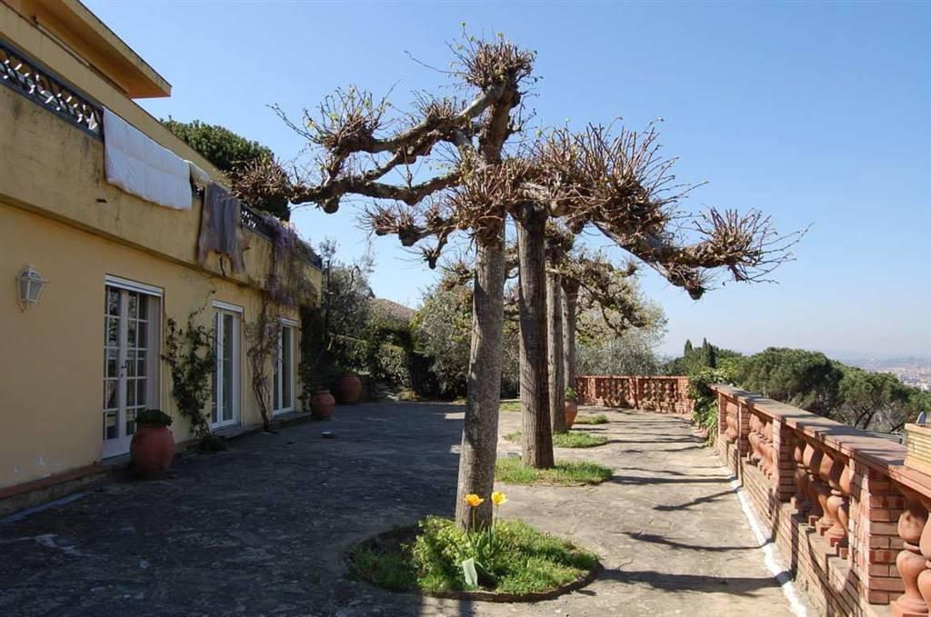 Villa a <span style=\'text-transform: capitalize\'>Firenze</span>