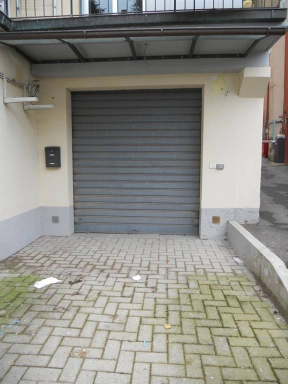 Garage / place de parking à <span style=\'text-transform: capitalize\'>Florence</span>