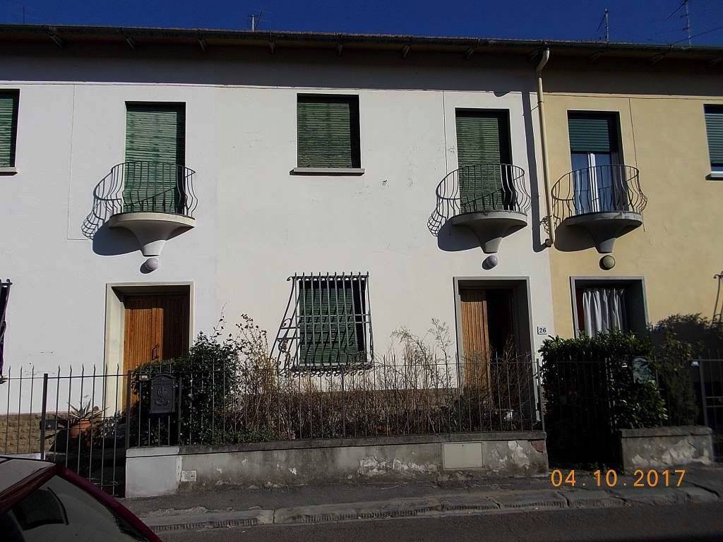 Townhouse in <span style=\'text-transform: capitalize\'>Florence</span>