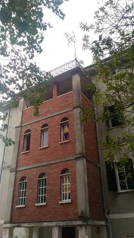 Palazzo, Avenza, Carrara, da ristrutturare