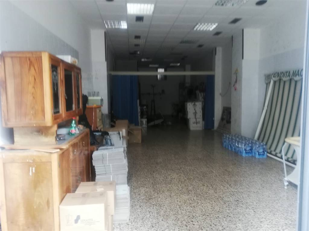 Negozio / Locale in vendita a Pagani, 2 locali, prezzo € 100.000 | CambioCasa.it