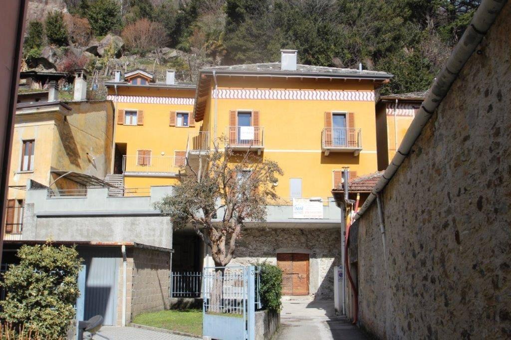 Appartamento in vendita a Chiavenna, 3 locali, prezzo € 160.000 | CambioCasa.it