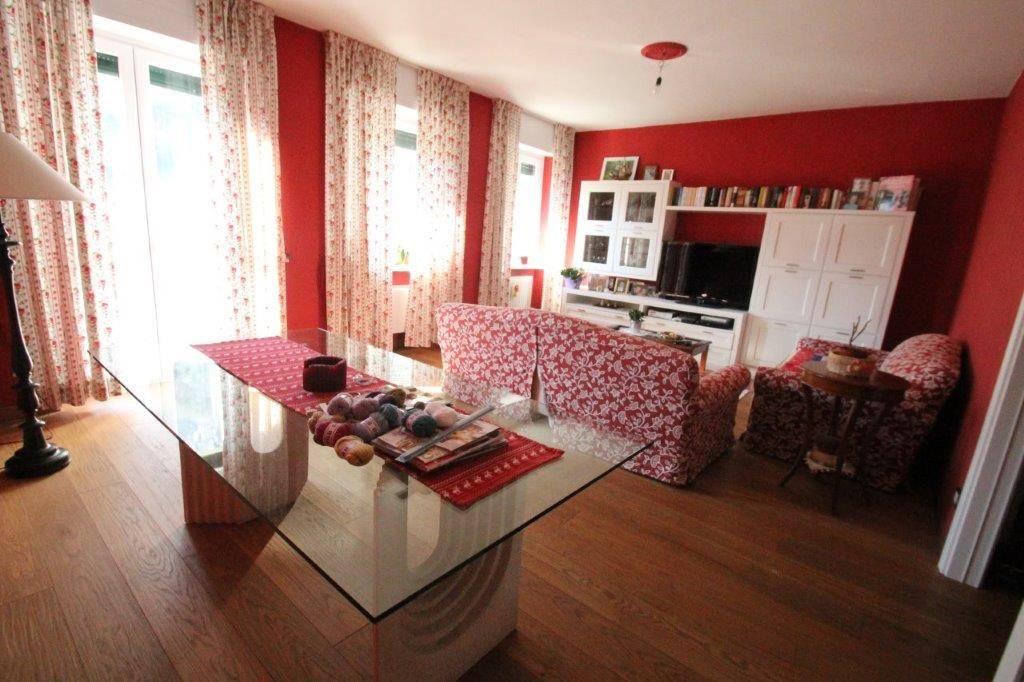 Appartamento in vendita a Chiavenna, 4 locali, prezzo € 220.000 | PortaleAgenzieImmobiliari.it