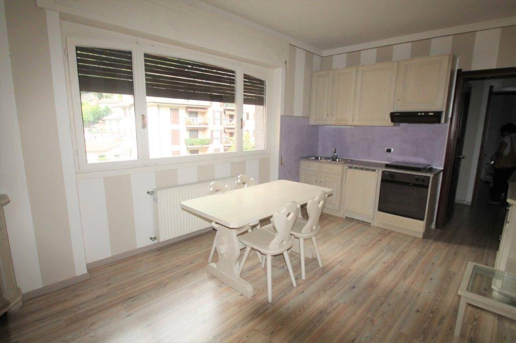 Appartamento in vendita a Chiavenna, 2 locali, prezzo € 125.000 | CambioCasa.it