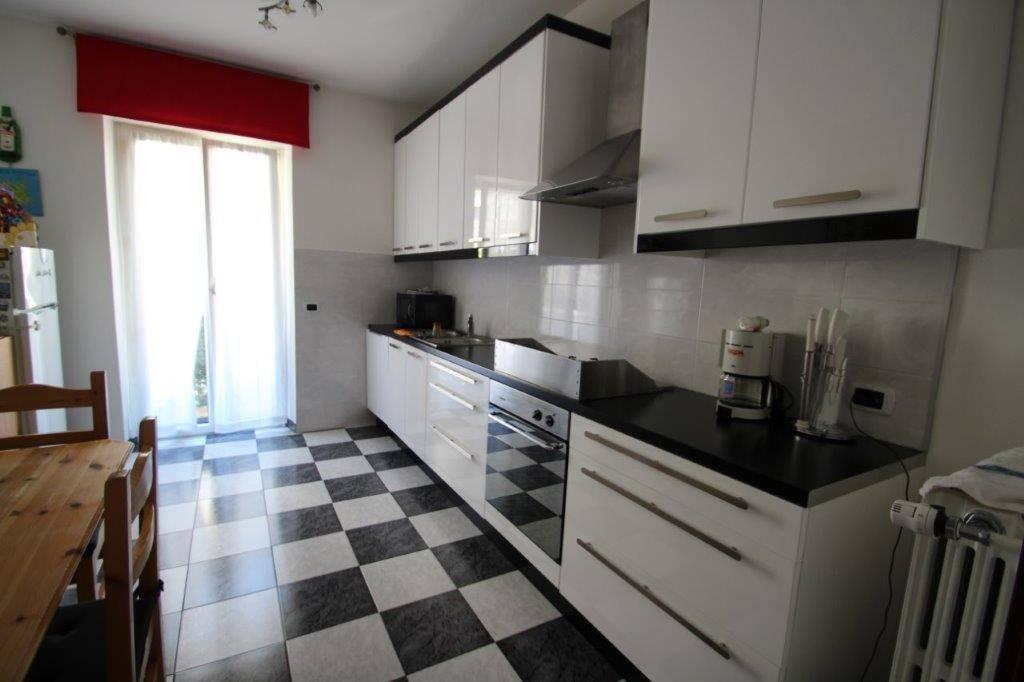 Appartamento in vendita a Chiavenna, 3 locali, zona Zona: Campedello, prezzo € 195.000 | CambioCasa.it