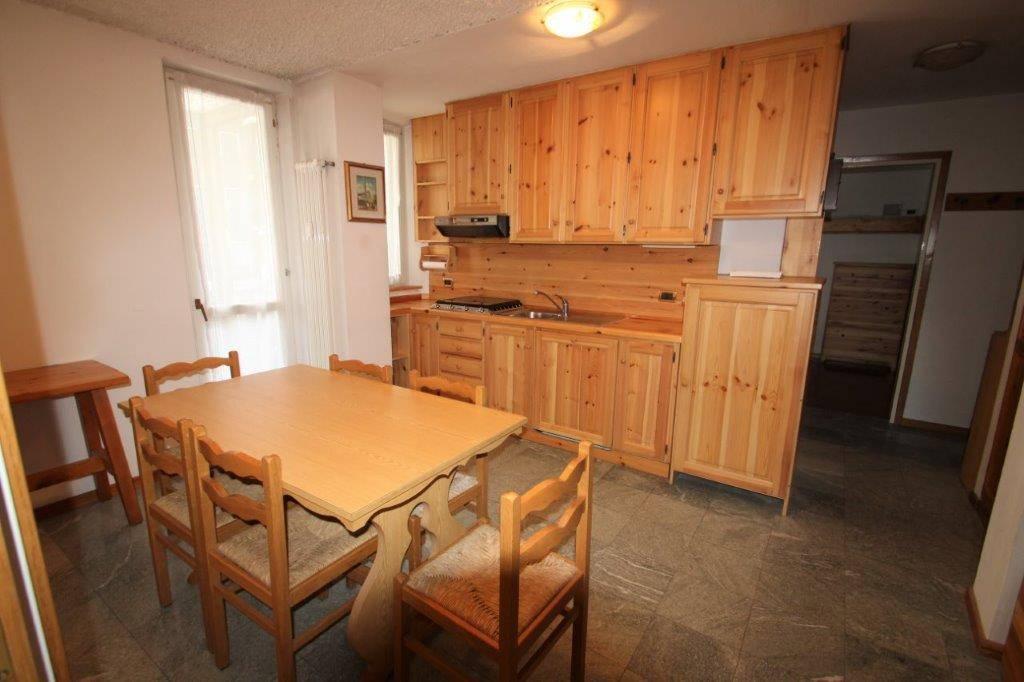 Appartamento in vendita a Madesimo, 3 locali, prezzo € 285.000   CambioCasa.it