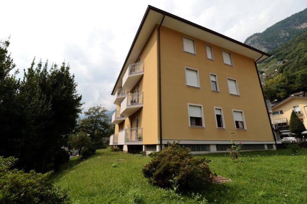 Appartamento in vendita a Chiavenna, 4 locali, prezzo € 165.000 | CambioCasa.it