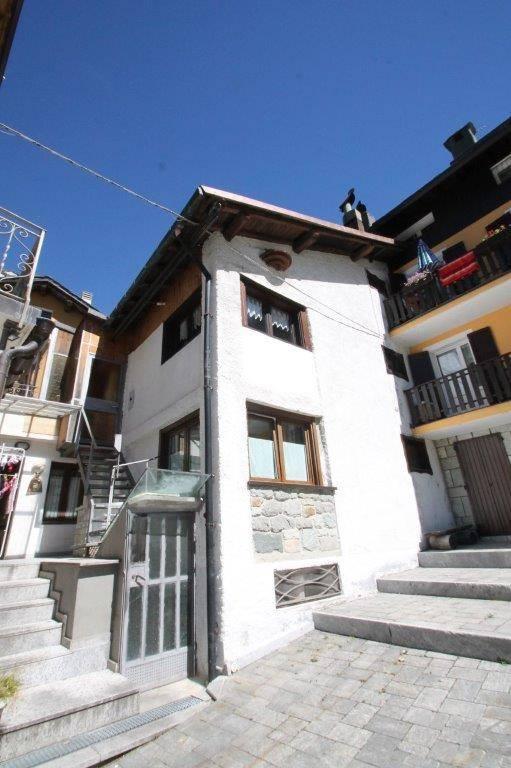 Appartamento in vendita a Madesimo, 3 locali, prezzo € 280.000   CambioCasa.it