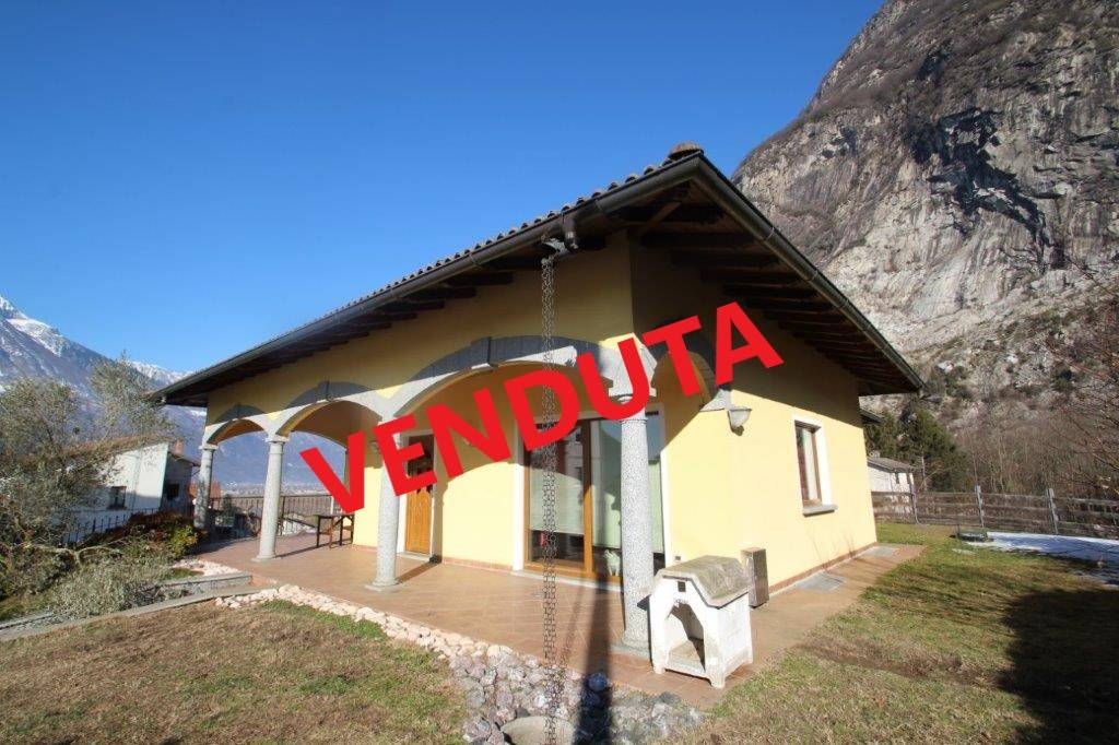 Villa in vendita a Novate Mezzola, 5 locali, Trattative riservate | PortaleAgenzieImmobiliari.it