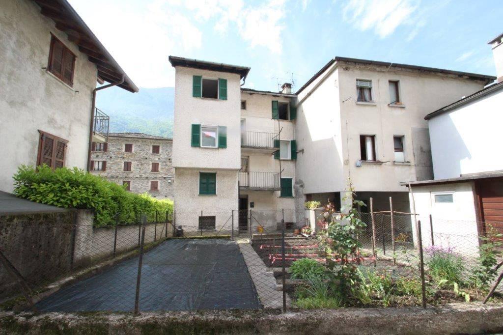 Appartamento in vendita a Piuro, 4 locali, zona Località: BORGONUOVO, prezzo € 70.000 | PortaleAgenzieImmobiliari.it