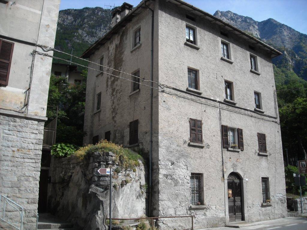 Soluzione Indipendente in vendita a Piuro, 4 locali, zona Località: SANTA CROCE, Trattative riservate | PortaleAgenzieImmobiliari.it