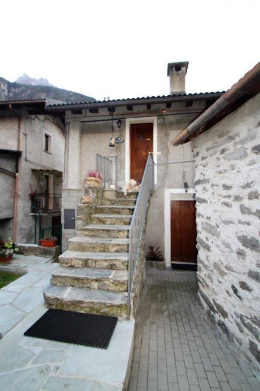Appartamento in vendita a Piuro, 2 locali, zona Località: SANTA CROCE, prezzo € 64.000 | PortaleAgenzieImmobiliari.it