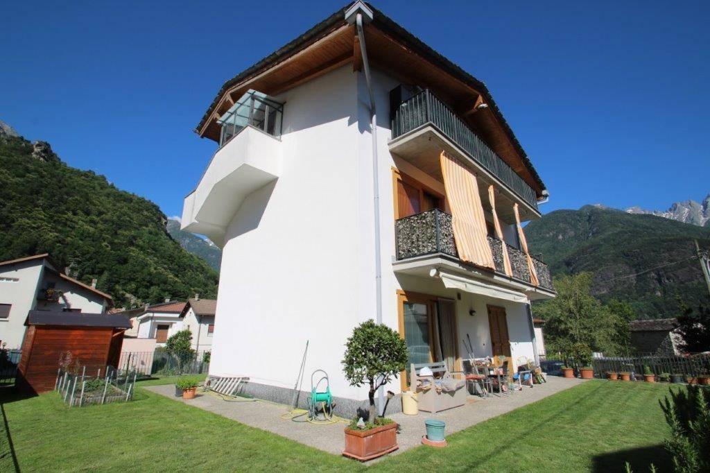 Appartamento in vendita a Chiavenna, 3 locali, prezzo € 188.000 | CambioCasa.it
