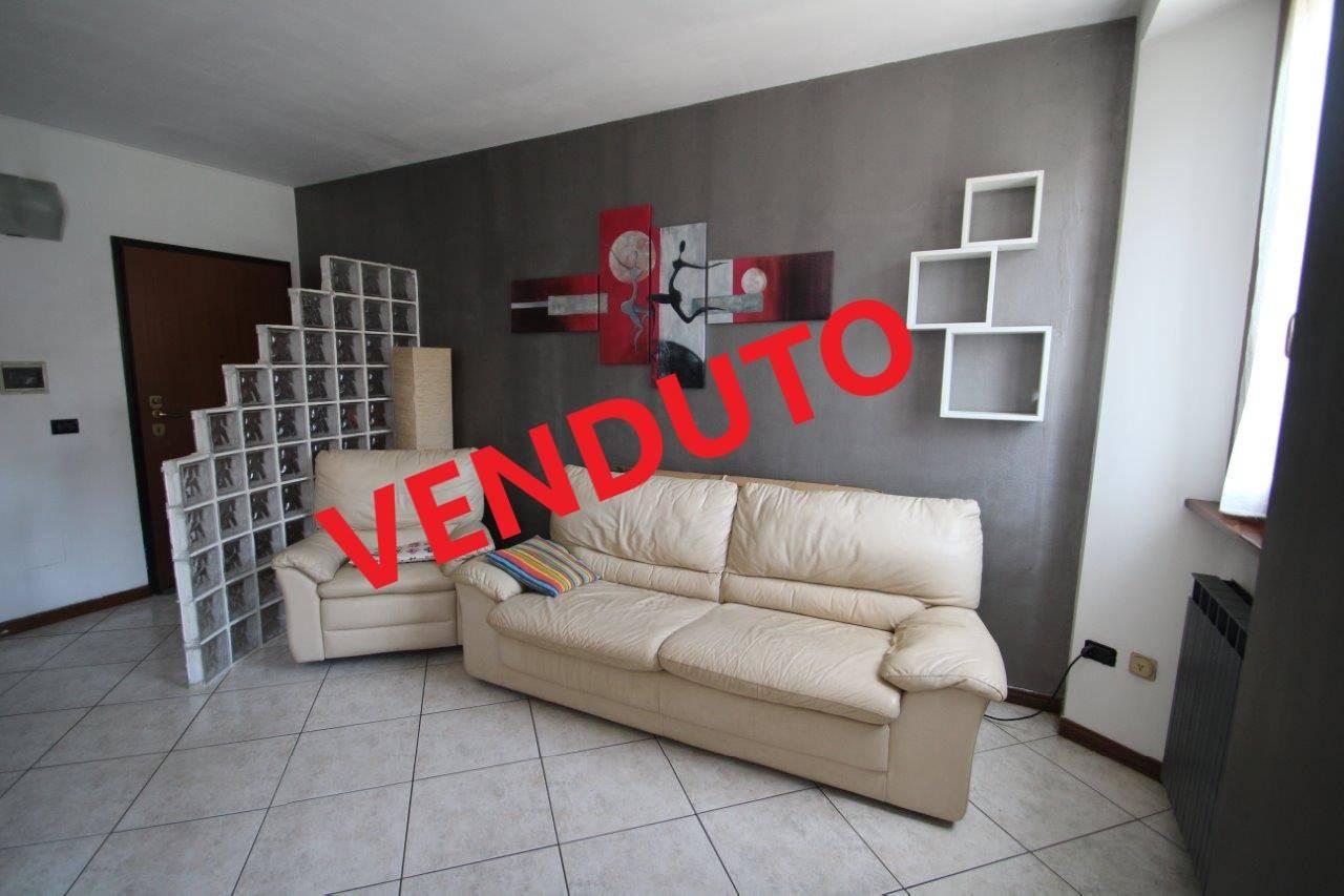 Appartamento in vendita a Monguzzo, 3 locali, zona Zona: Nobile, Trattative riservate | CambioCasa.it