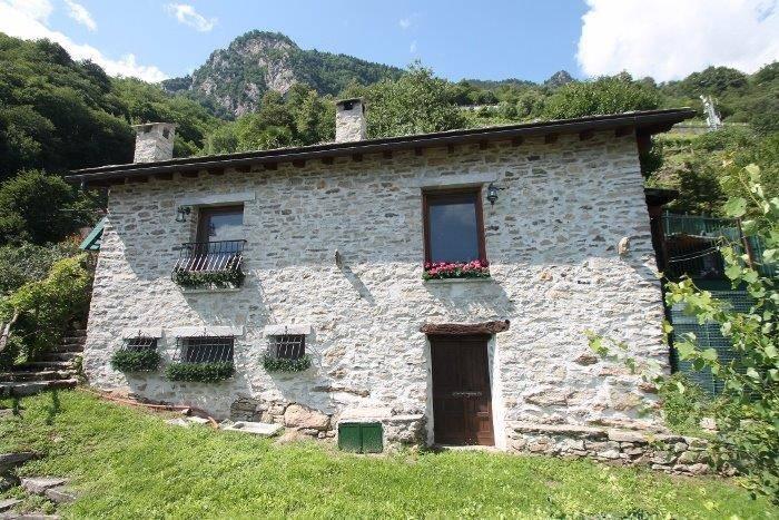 Soluzione Indipendente in vendita a Chiavenna, 3 locali, zona azzola, prezzo € 300.000 | PortaleAgenzieImmobiliari.it