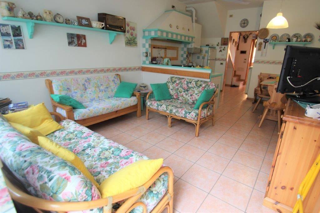 Villa in vendita a Novate Mezzola, 3 locali, prezzo € 140.000 | PortaleAgenzieImmobiliari.it