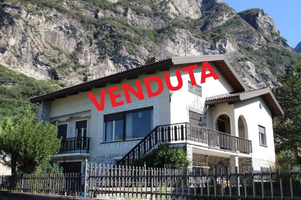 Villa in vendita a Novate Mezzola, 4 locali, Trattative riservate | PortaleAgenzieImmobiliari.it