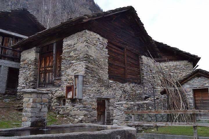 Rustico / Casale in vendita a San Giacomo Filippo, 2 locali, zona Località: SAN BERNARDO-SAN ROCCO, prezzo € 38.000 | PortaleAgenzieImmobiliari.it