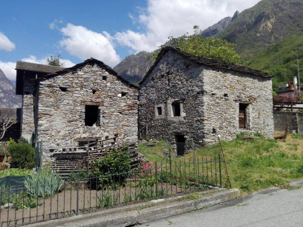 Rustico / Casale in vendita a Verceia, 3 locali, prezzo € 85.000 | PortaleAgenzieImmobiliari.it