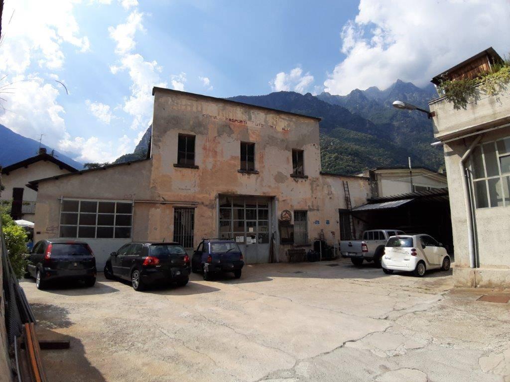 Capannone in vendita a Chiavenna, 5 locali, prezzo € 380.000 | CambioCasa.it